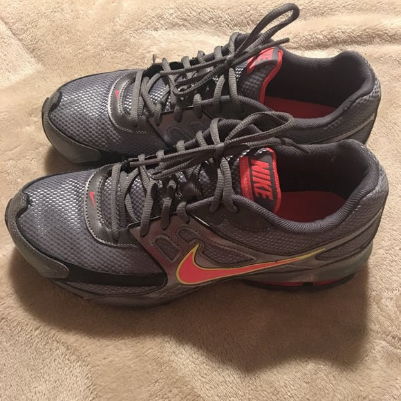 c3675f768f35 Women s Nike Reax Run Dominate